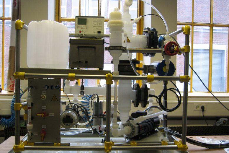 Ultraschallversuchsstand (Laborversuchsanlage Mischsäure)